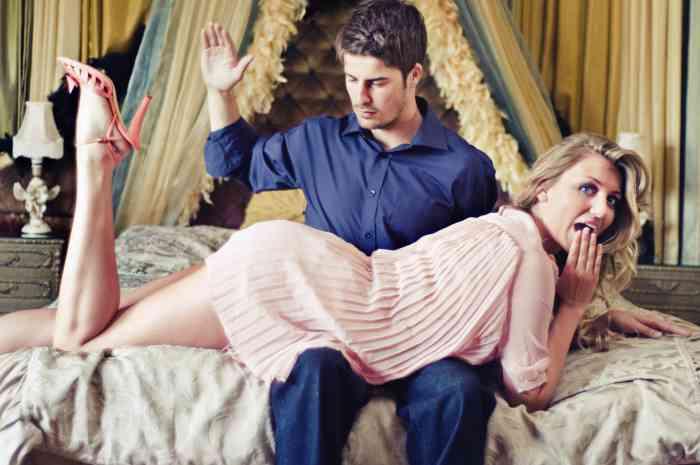 Sculacciate Erotiche: Quando e Come Farle nel Modo Giusto